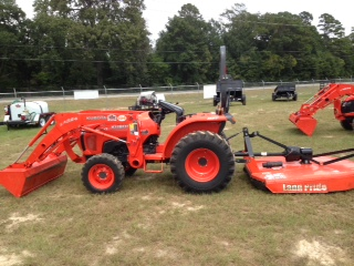 Where to find Tractor w  loader bucket 32HP HST in Henderson